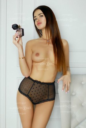 Lisette call girl in Marshfield and thai massage